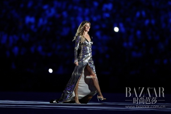 gisele-bundchen-2016-olympics-opening-ceremony-dress