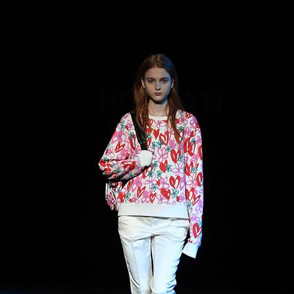 HOGAN 30周年#HOGAN86潮流派对引爆米兰时装周,发布2017春夏奢潮风尚精品