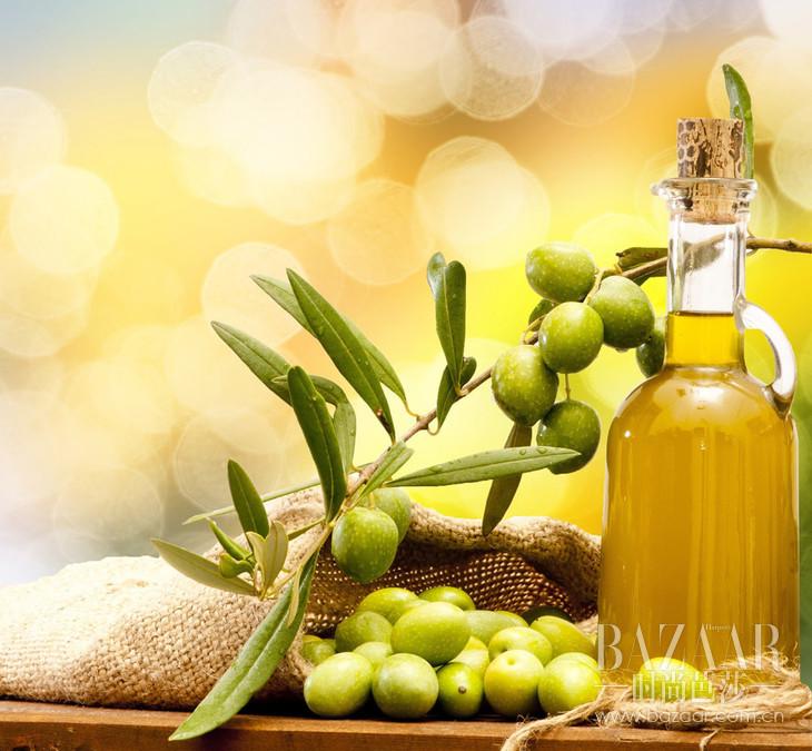 橄榄油可以清洁植物汁液的残留
