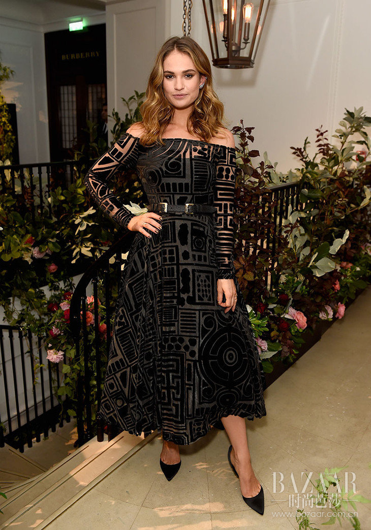 Lily-James-wearing-Burberry-at-an-event-to-celebrate-the-launch-of-My-Burberry-Black