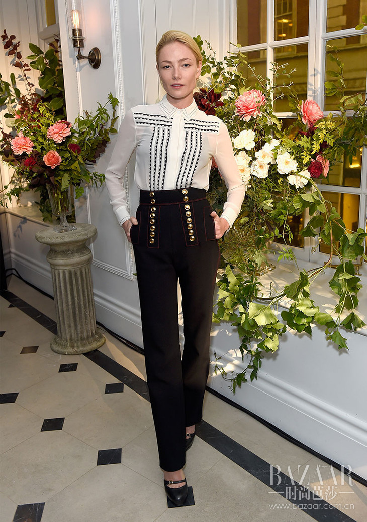 Clara-Paget-wearing-Burberry-at-an-event-to-celebrate-the-launch-of-My-Burberry-Black