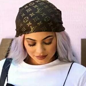 Kylie Jenner的彩妆铺子又上新了,Riri、可儿也都在卖美妆!
