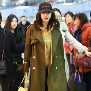 每日星范 | 杨幂 的小书包被时尚圈抢疯了,2016最火双肩包都在这了!