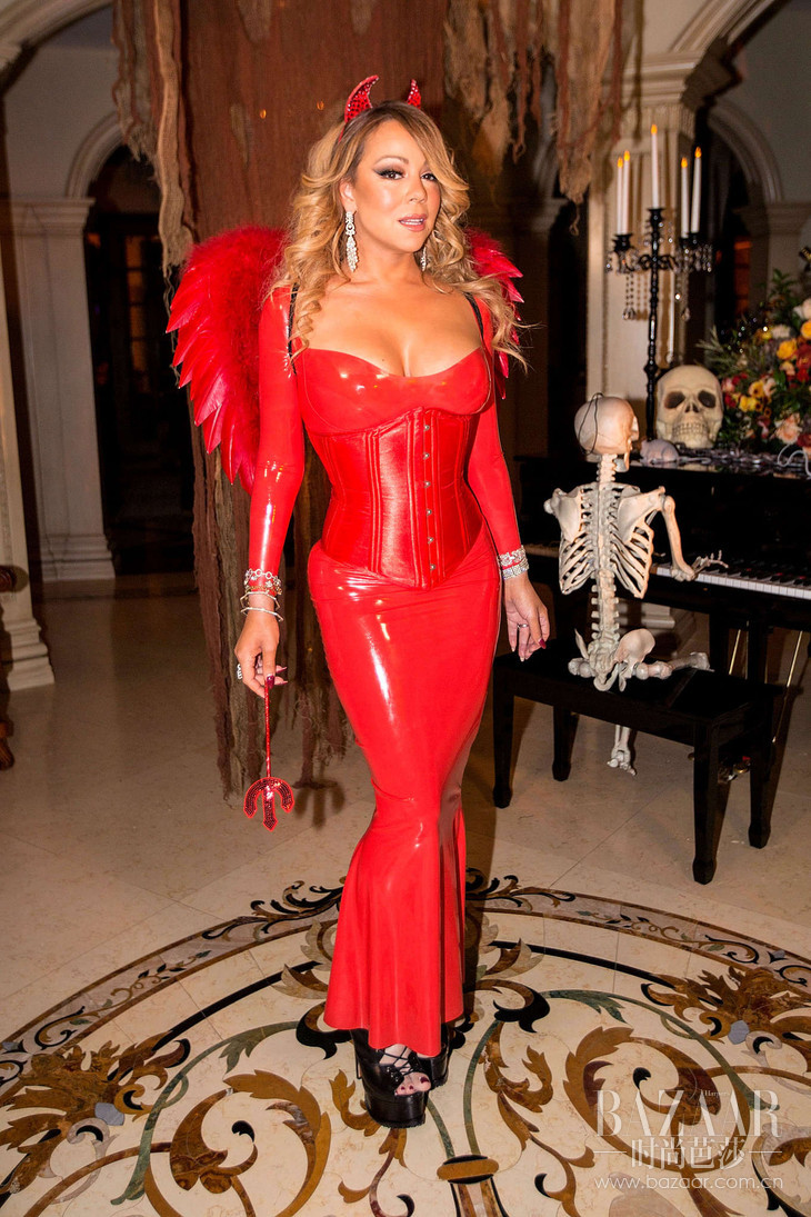 Mariah-Carey-in-Red-at-Hollywood-Halloween-Party--04