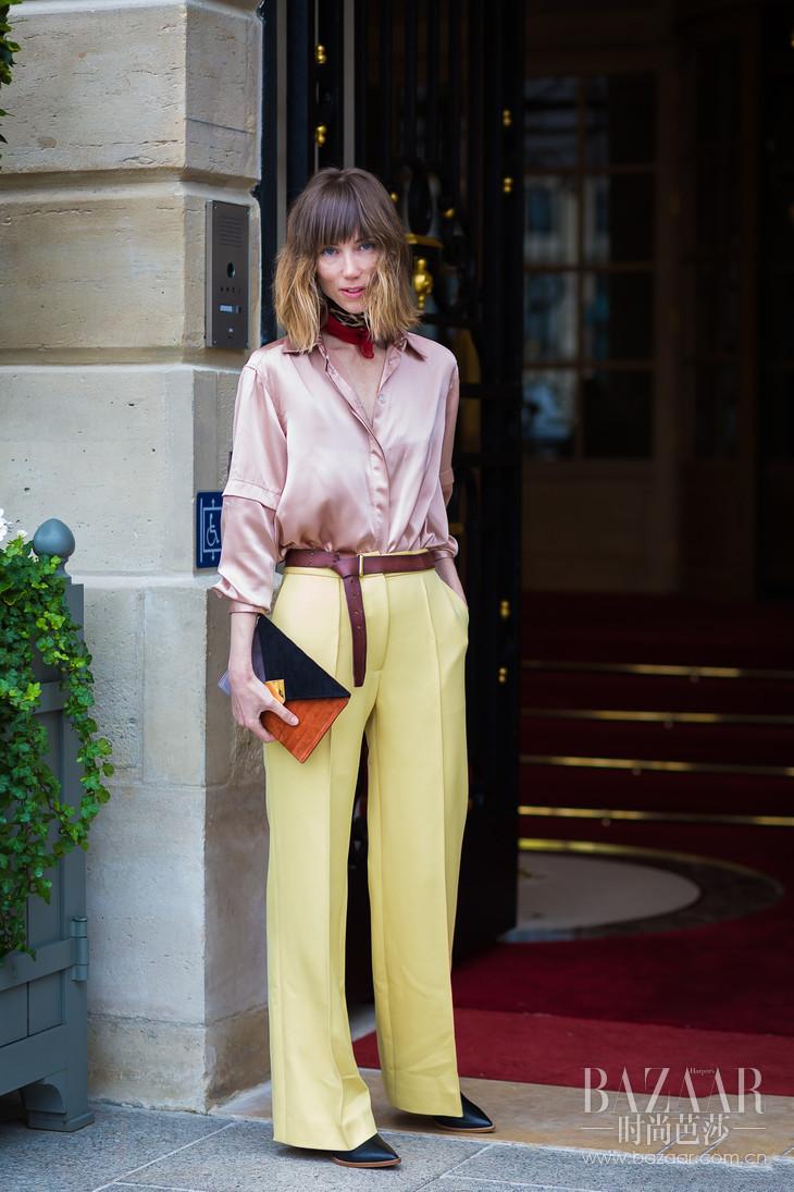 Anya-Ziourova-by-STYLEDUMONDE-Street-Style-Fashion-Photography0E2A9216-700x1050@2x