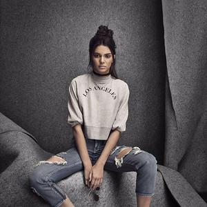 蕾哈娜给全智贤爱的鞋子做设计,Kendall退出Instagram!【芭九不离时髦】