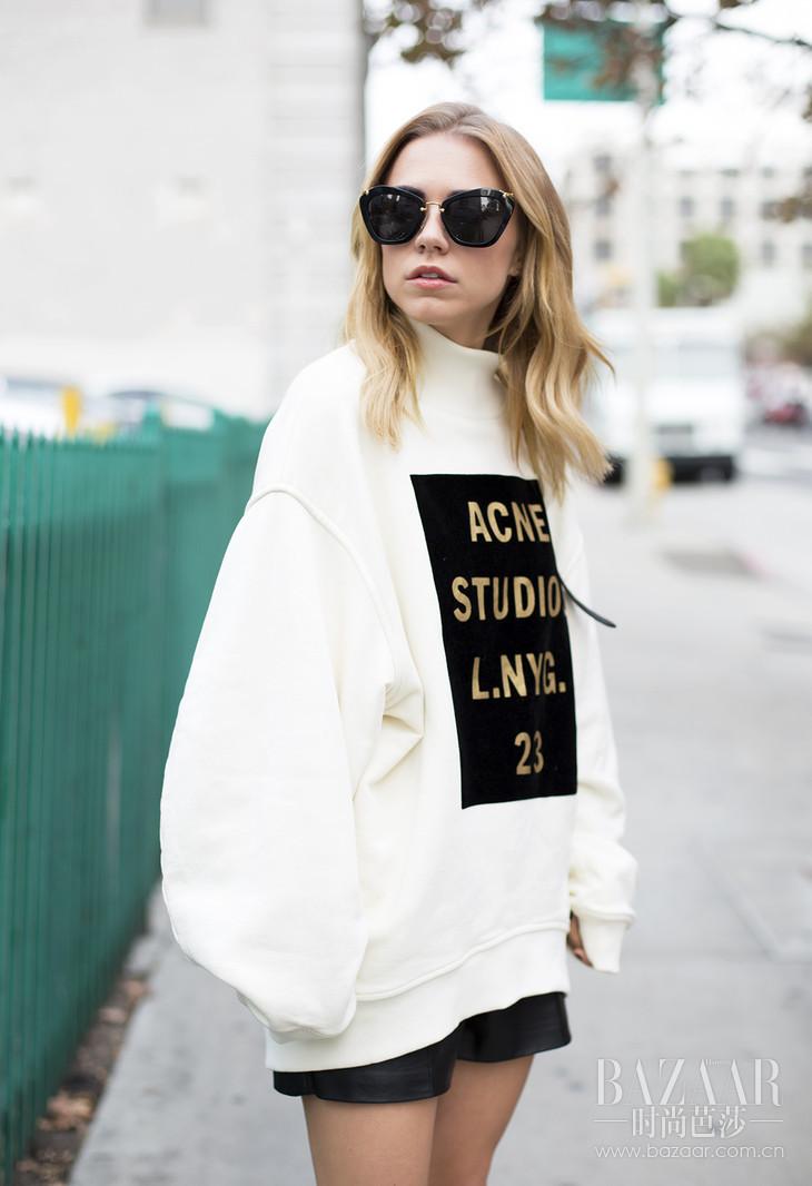 Acne-Studio-Sweatshirt-2