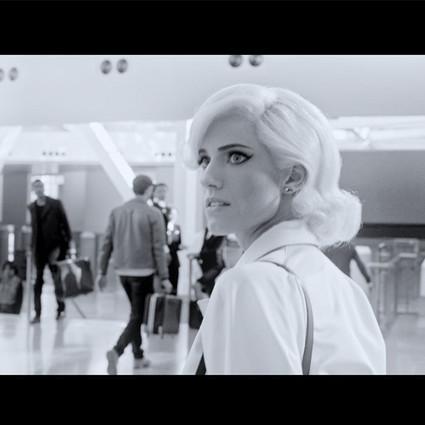 由David O. Russell执导的Prada短片《回顾向前》将在北京放映
