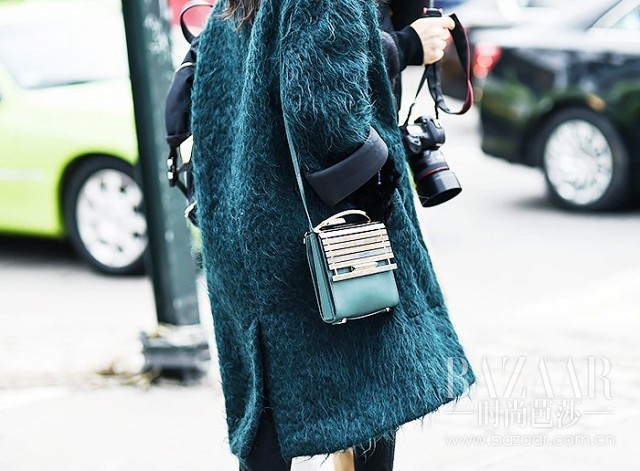 the-best-bags-at-new-york-fashion-week-this-season-1718349.640x0c
