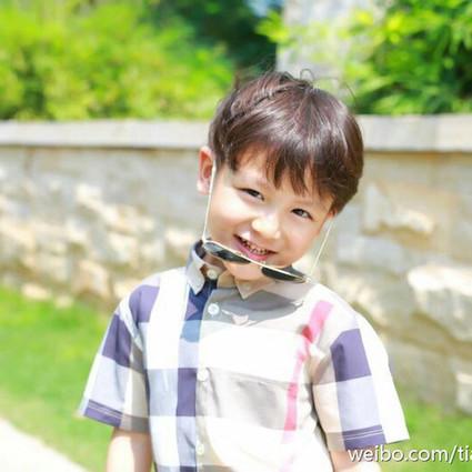 不爱闹的小甜心,5岁就独立的男子汉,好想去田亮家偷小亮仔!