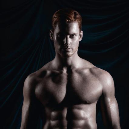 为天生红发正名,第一本为红发男拍摄的性感年历~2017年版