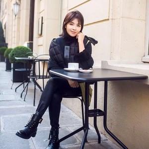 刘涛安迪即视感,KK张天爱腿玩年,她们在巴黎玩太6!【芭瞎时装周】