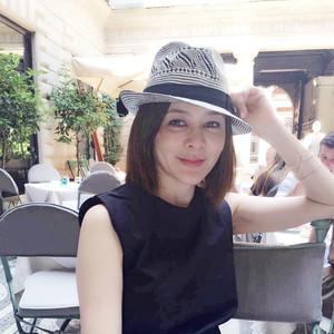 关之琳复出没底线,张曼玉52岁玩摇滚,真正的美人都不怕崩人设只怕没活过!