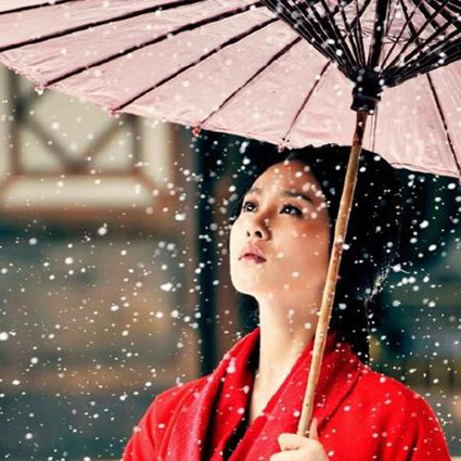 自带下雪功能的刘诗诗引领一股清流?你肯定忽略了她魔性的笑声和步伐!