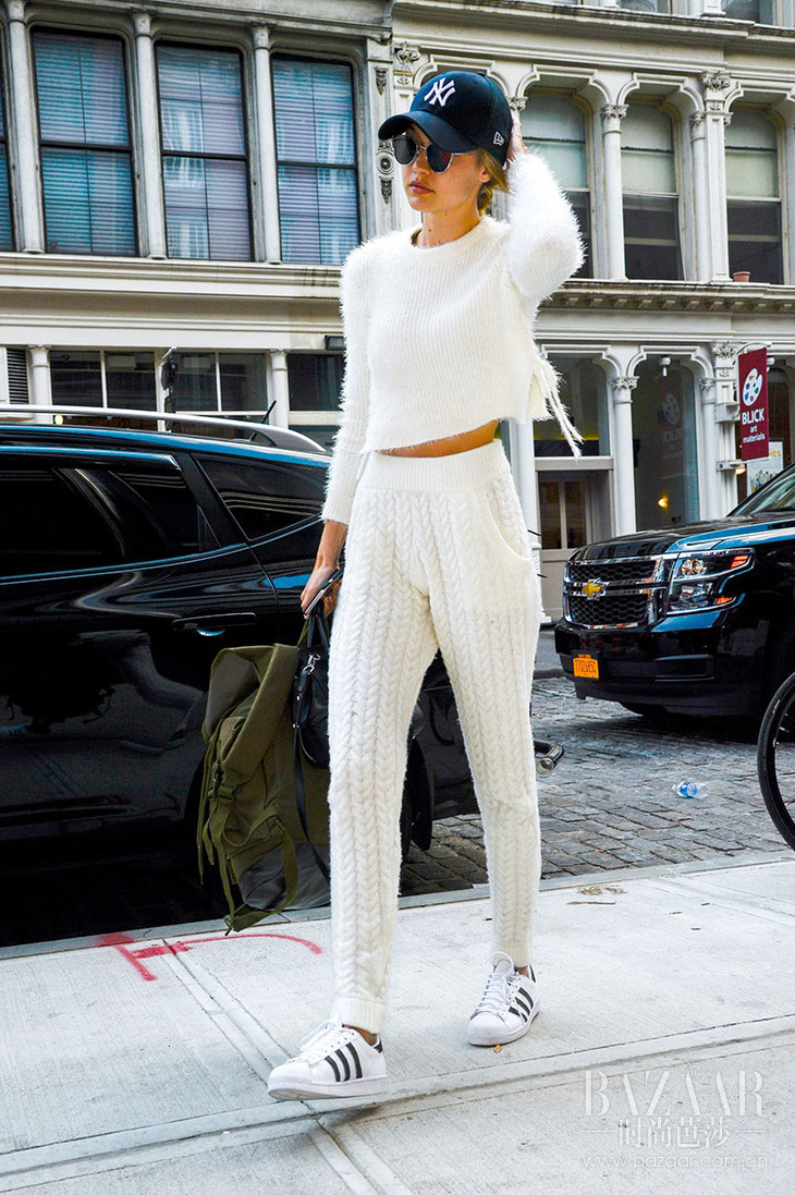 Gigi-Wore-Her-Yankees-Hat-Fuzzy-Sweater-High-Waist-Knit-Pants