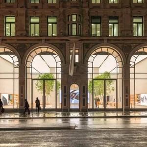 "Apple在欧洲第一家零售店的""变身"""