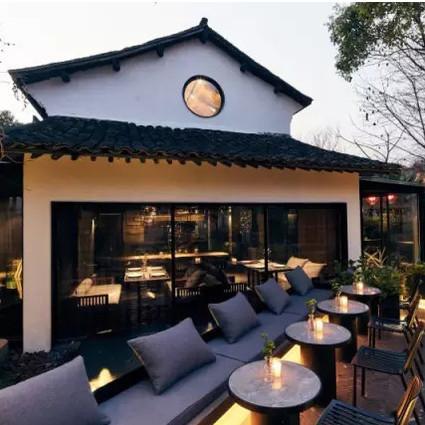 这群设计师把工作室、餐厅和咖啡馆开到了自然里,让理想变成了现实