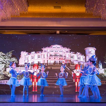 2017年华高国际 R&Bow美商十二芭蕾公主新年盛宴在京隆重举办
