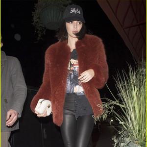每日星范 | Kendall 的相机包小身材大容量,别说你没看得小鹿乱撞