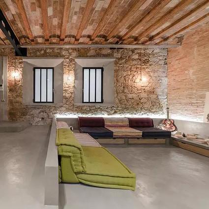 风格混合的「厂房改造 — 住宅」