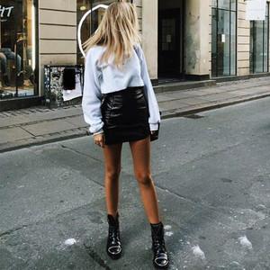 短靴留步!想露腿又怕路人瞧,我还要靠你来扮酷!