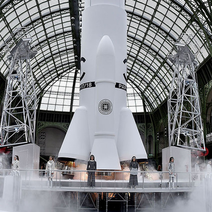 太空旅客们请系好安全带,你乘坐的Chanel No.5火箭即将发射!