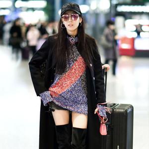 热巴、KK大衣+裙子腿长两米八,今冬撩人搭配学她们就够了!