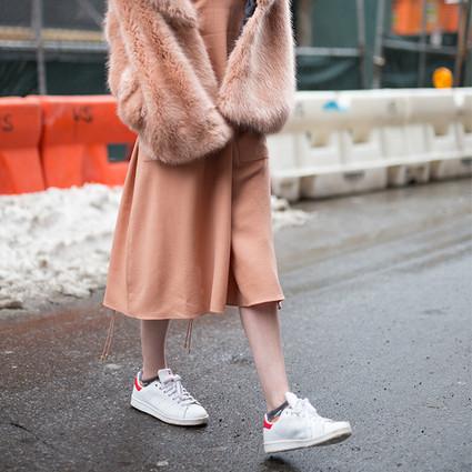 来吧,给你今年最火的运动鞋搭配,舒适度实穿度立刻告诉你!