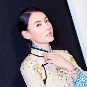 张柏芝重现《喜剧之王》,不同的时空却是一样的18岁少女肌!