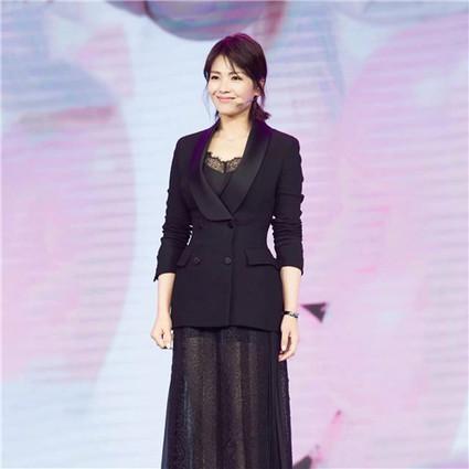 每日星范   刘涛 的透视纱裙浪漫又性感,难怪她要一穿再穿!
