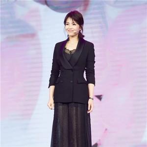 每日星范 | 刘涛 的透视纱裙浪漫又性感,难怪她要一穿再穿!