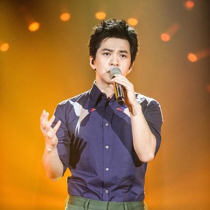 把音乐写成诗,生活过成画的李健,居然邀岳云鹏帮唱《歌手》决赛!