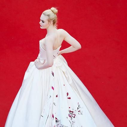 这个小仙女带着作品去戛纳,不小心却成了肉肉女生们的穿衣范本!