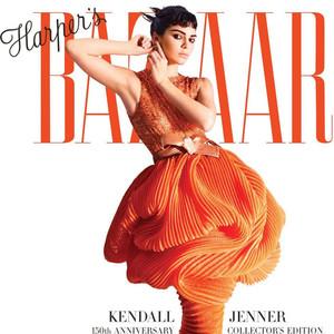 《Harper's BAZAAR》150周年生日快乐!肯豆性感礼服惊艳纽约帝国大厦!