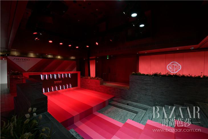 臻红显色馆舞台