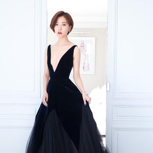 每日星范 | 王珞丹 一天就吃俩虾球,就怕穿不进走戛纳红毯的黑纱裙!