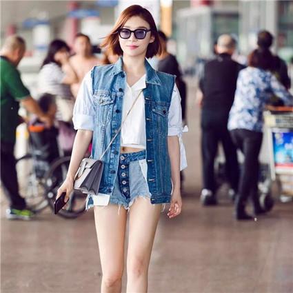 每日星范 | 袁姗姗 反穿、喊话、一拉到底,今年牛仔短裤就要不一样!