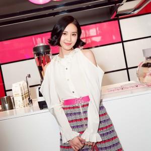 长发时有仙气,短发时有灵气,当了Chanel大使的刘诗诗要美要英俊都她说得算!