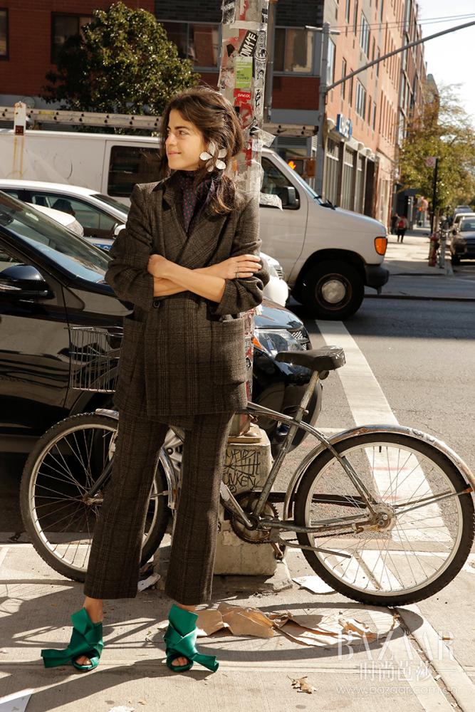 Man-Repeller-Cravats-Style-Inspiration-Leandra-Medine-18-667x1000