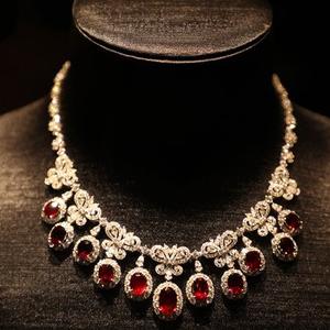 经典不远,时尚不止 -- 2017年博闻上海珠宝展革新登场
