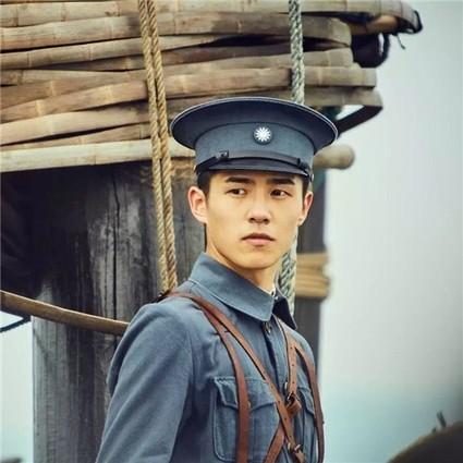 【热影】建军90年,何长工后人点赞李易峰,刘昊然张艺兴力证英雄曾少年!