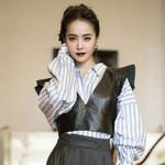 是唐艺昕的蓝纱裙仙气十足,还是Angelababy的黑白裙更优雅?