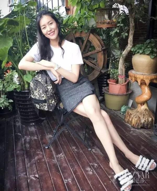 """潮的人居然都在穿""""中国菜市场拖鞋"""",但好看得你也会忍不住来一双!"""