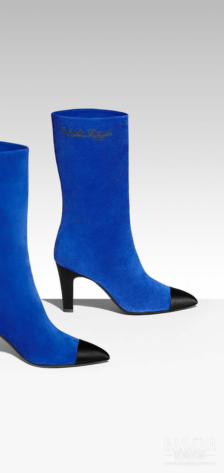 G33119-Y51214-K0411-Boots-in-royal-blue-suede-and-black-satin