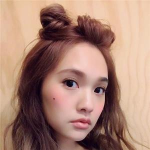 杨丞琳被那么多男神爱过,却选择和眼睛小小的李荣浩浪漫成偶像剧
