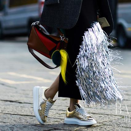 四海八荒数运动鞋最火,可只穿小白鞋霸屏就是你的不对了!