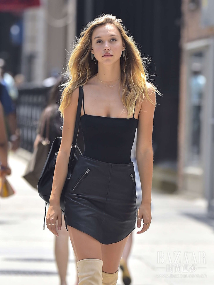 Alexis-Ren-in-Mini-Skirt--06