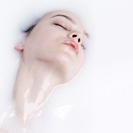 为什么你用任何护肤品都觉得不好使?可能是从没洗干净过脸!