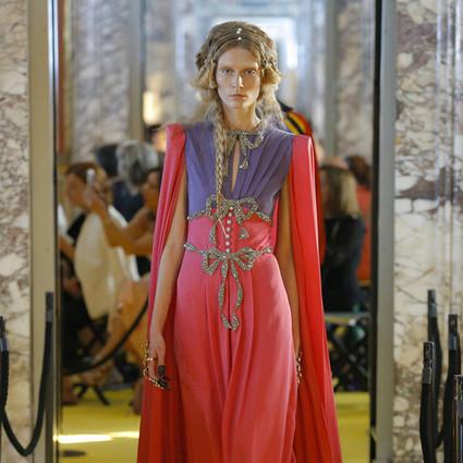 """倪妮变身中世纪少女,带你进入115套Gucci构成的绚烂""""文艺复兴"""""""
