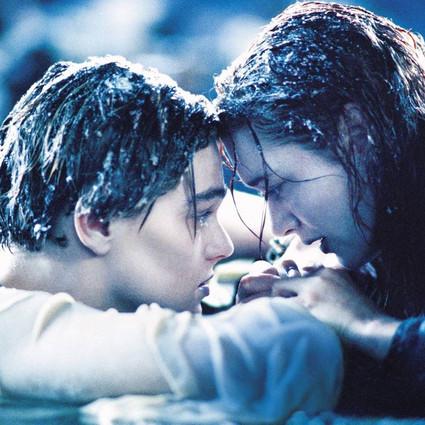 Rose老去Jack长眠,泰坦尼克号也即将彻底消失,可总有些我爱你能绵延几世纪